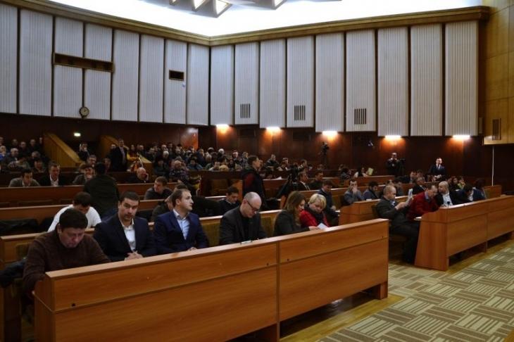 Довіряй, але перевіряй: як звітують депутати Франківщини