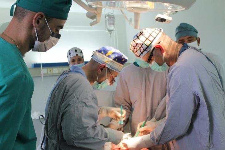 Відомий хірург навчав франківських медиків лікувати безпліддя (відеосюжет)