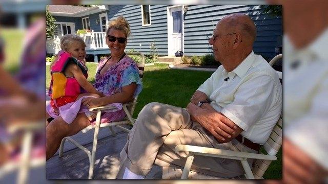 У США 94-річний суддя побудував у дворі громадський басейн, щоб сусідам було добре 2