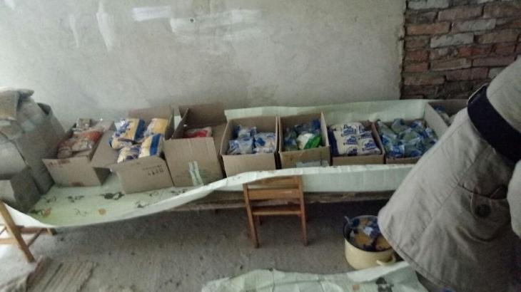 На Прикарпатті батьки вимагають звільнення завідувачки, медсестри і завгоспа дитсадка, де знайшли протерміновані крупи та мишей (відео)