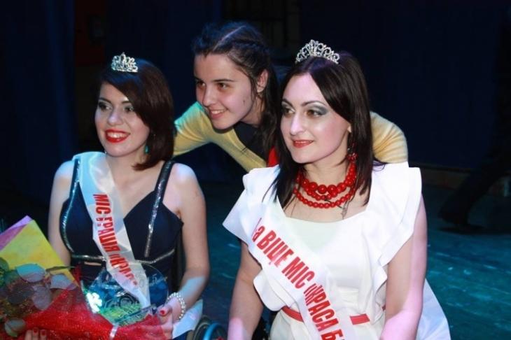 Франківчанка в інвалідному візку стала Віце-Міс на конкурсі краси (фотофакт)