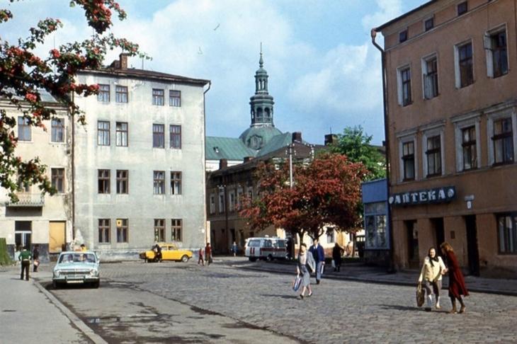 Станиславівські оголошення: які парфуми любили у місті сто років тому 1