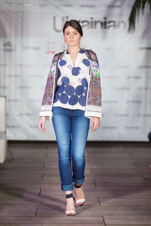 Оксана Караванська показала у США нову колекцію вишиванок ФОТО 33d700bcb5355