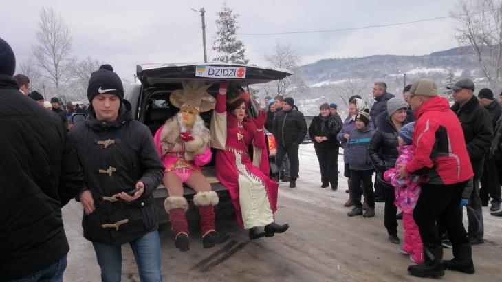http://kurs.if.ua/media/gallery/full/1/2/12511160_1038583752847806_1337342469_o.jpg