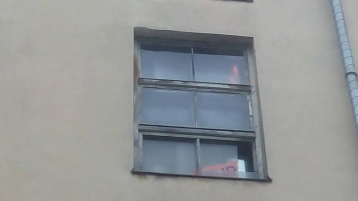 У Франківську в багатоповерхівці на вулиці Бандери горить під'їзд. ФОТО. ВІДЕО 2