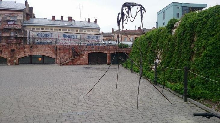 """Ювілейне """"Свято ковалів"""" на завершення подарувало Франківську дві скульптури 1"""