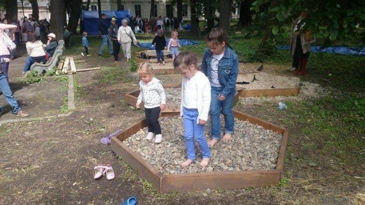 Франківцям показали незвичні екооб'єкти – урбан-сад та сенсорний сад 1
