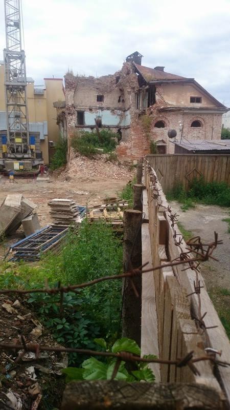 Пам'ятку національного значення у Франківську доводять до руйнування: активісти будуть домагатися перевірки Мінкультури. ФОТО 3