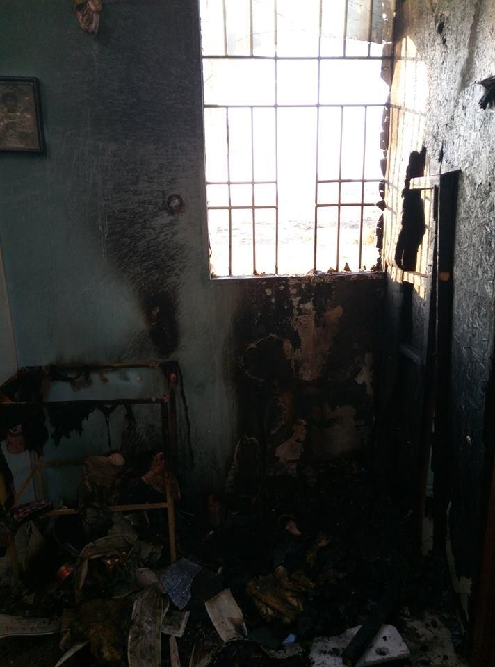 """У Маріуполі """"коктейлями Молотова"""" спалили церкву, де настоятелем священик з Прикарпаття. ФОТО 2"""