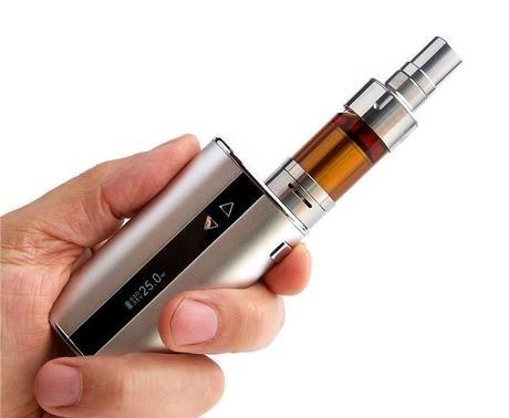 Офіційно не заборонені, але у школі їм не місце: поліція закликає не купляти підліткам електронні сигарети