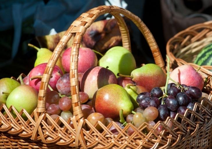 Сьогодні святкують Яблучний Спас: традиції, прикмети, що святять й чого не можна робити в цей день