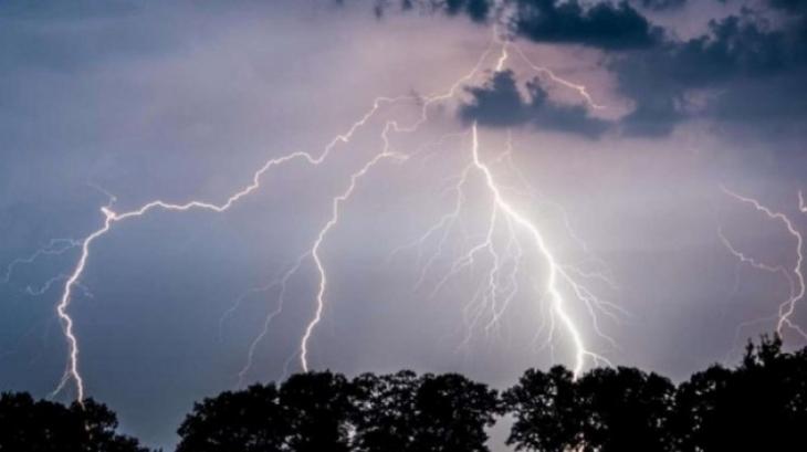 Закарпаття знову очікують грози, сильні дощі, подекуди град?