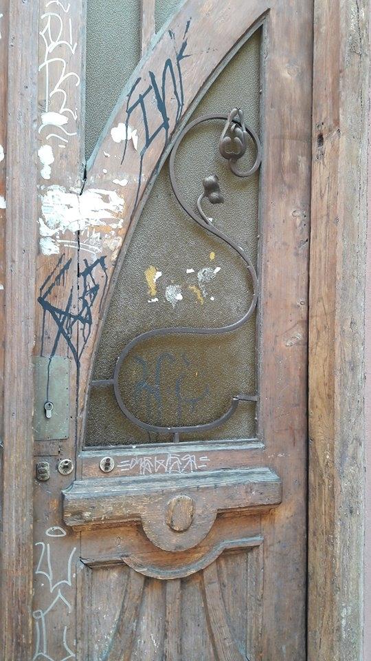 Особливий випадок: у 110-літній франківській камениці відновили автентичні двері. ФОТО 4