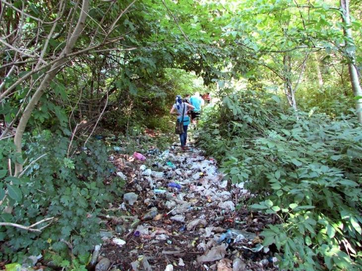 Чому Дністер тоне у смітті: руйнуємо міфи про шкідливих туристів 5
