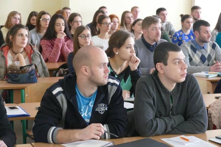 http://kurs.if.ua/media/gallery/full/1/7/17264772_10206654894290394_2862063341878278031_n.jpg