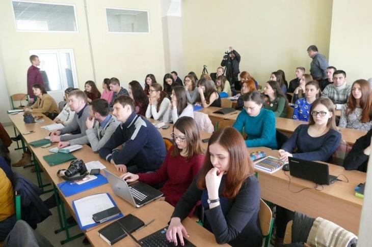 http://kurs.if.ua/media/gallery/full/1/7/17361543_10206654354716905_4376440981611465404_n.jpg