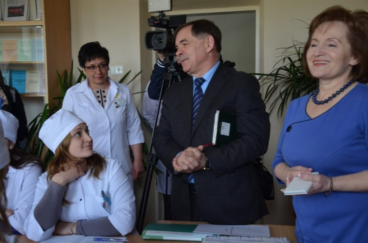 Клінічне мислення: чому і як вчать в українських медичних вишах – на прикладі ІФНМУ 8