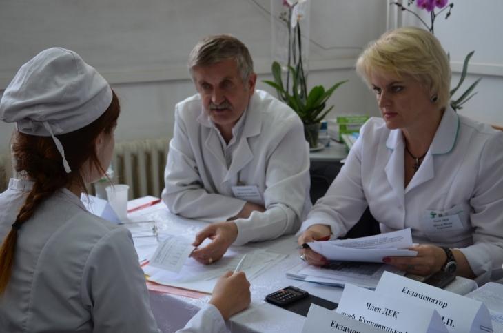 Клінічне мислення: чому і як вчать в українських медичних вишах – на прикладі ІФНМУ 3