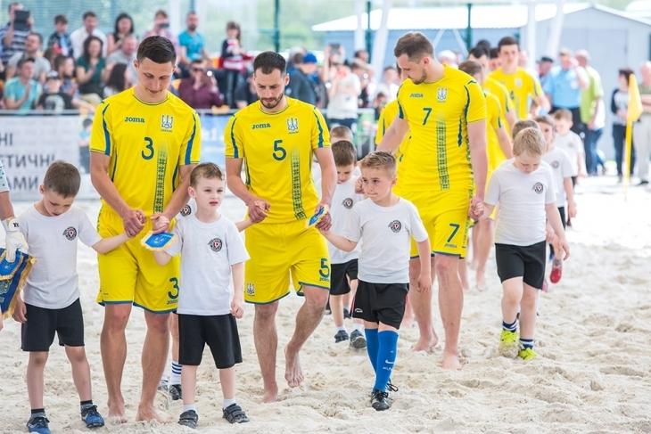 """Пляжний футбол: сьогодні у Франківську збірна України зіграє показову гру з """"Ураганом"""""""