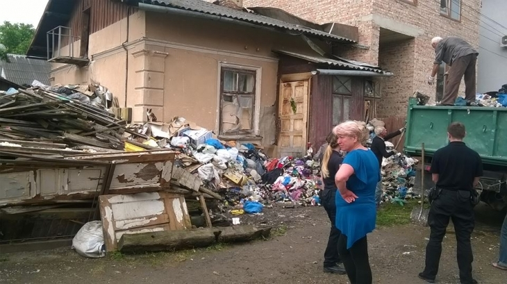 Відео сусідка по будинку фото 729-301