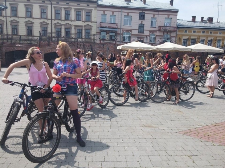 """Результат пошуку зображень за запитом """"дівчачий велопарад івано франківськ"""""""