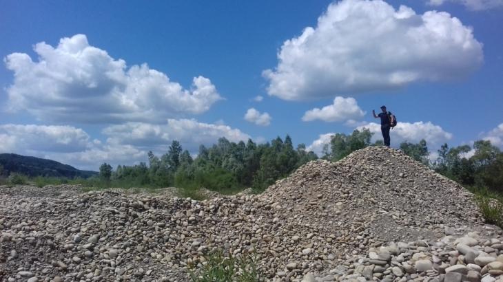 Гроші ковшем: хто і як заробляє на знищенні прикарпатських річок 4
