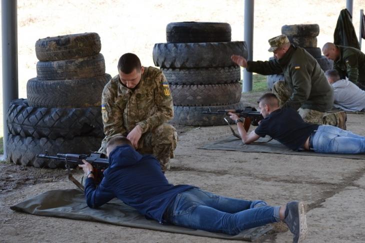 Франківські студенти-медики три дні відпрацювали на стрільбищі (фото)