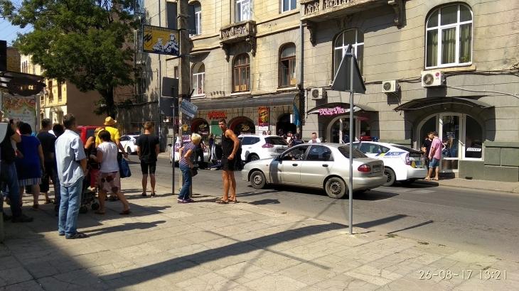 Бандитські розборки: у центрі Франківська з мисливської рушниці підстрелили чоловіка 1