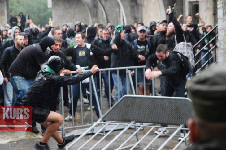 Після поразки львівських «Карпат» в Івано-Франківську вболівальники влаштували заворушення настадіоні