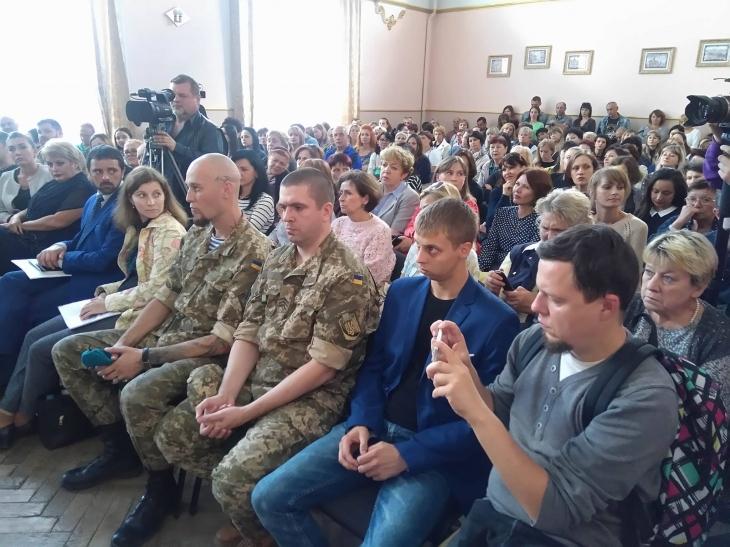 http://kurs.if.ua/media/gallery/full/2/1/21767192_1906746406002970_368460258_o.jpg