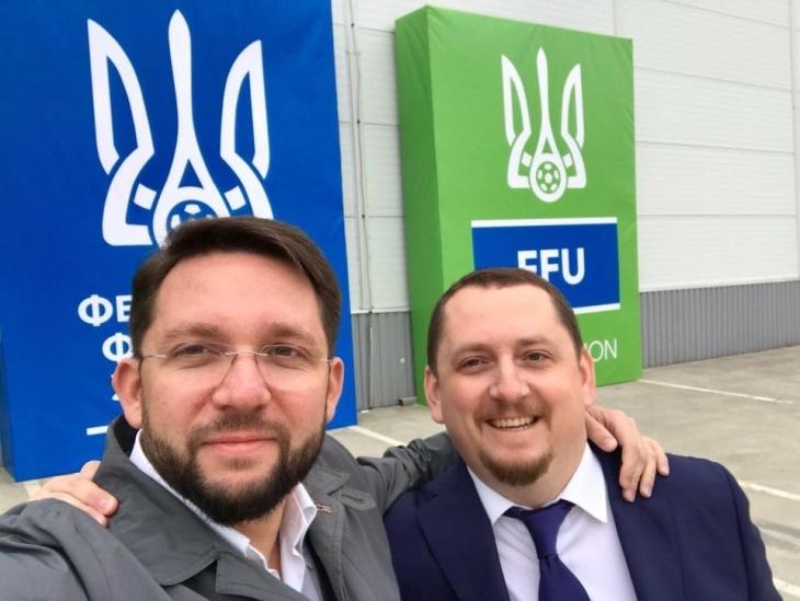 Франківець очолив перший в Україні завод з виробництва штучного покриття для футбольних полів. ФОТО 1