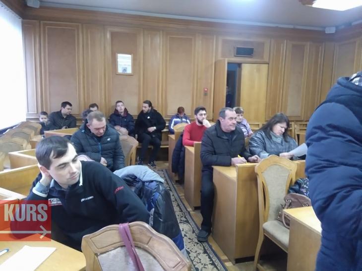 """""""Випустили пару"""": у Франківську обговорили збільшення вартості проїзду у маршрутках 1"""