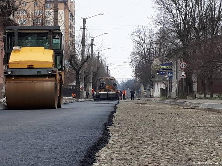 В Івано-Франківську капітально відремонтують 18 вулиць (відеосюжет)