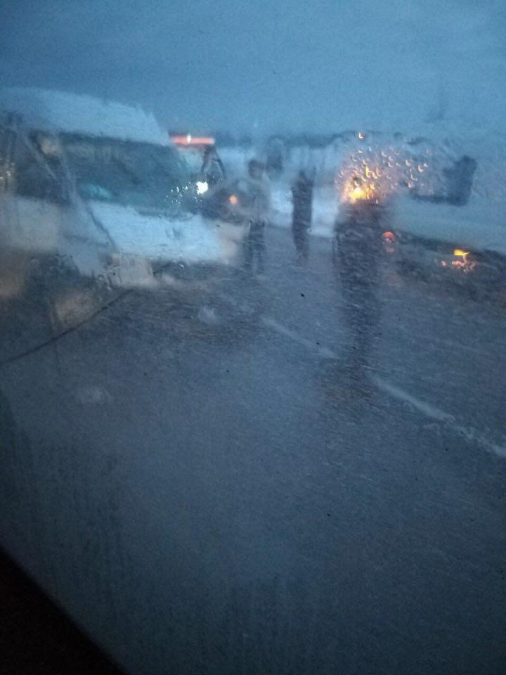 На Прикарпатті пасажирський автобус потрапив в ДТП. Є постраждалі. ФОТО, фото-1