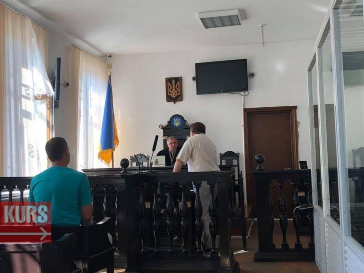 Прикарпатський священик, який п'яним скоїв ДТП і тікав від патрульних, не зміг розчулити суддю розповідями про причастя 1