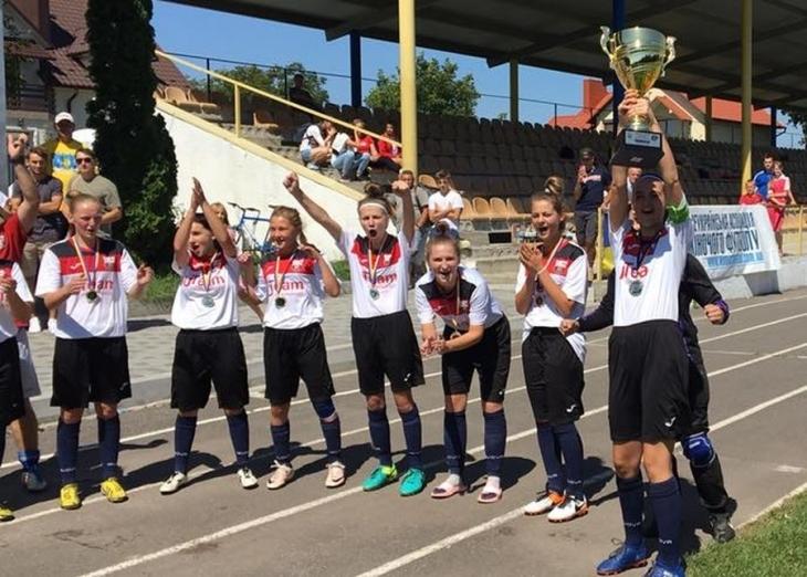 Дівчата з Франківська виграли чемпіонат України WU-16 серед команд Першої ліги з футболу (фотофакт)