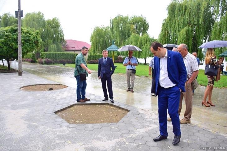 Замінили всі підрядні організації, – Марцінків про реконструкцію навколо міського озера