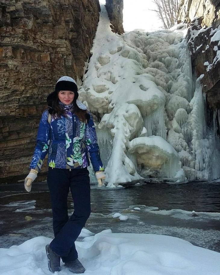 Вражаюча краса. В Карпатах замерзли водоспади (ФОТО)