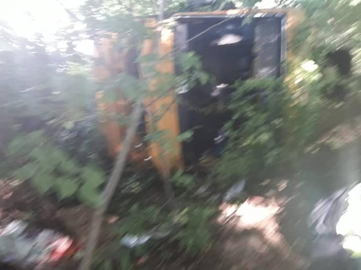 У ДТП на Калуській трасі з автобусом і вантажівкою постраждали понад 10 осіб, травмована жінка померла. ФОТО 1