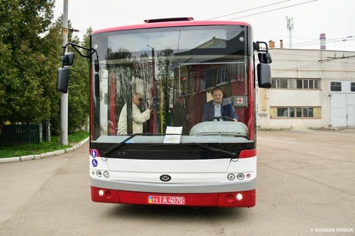 Нові автобуси маршруту №27 виїдуть на вулиці Івано-Франківська на День міста