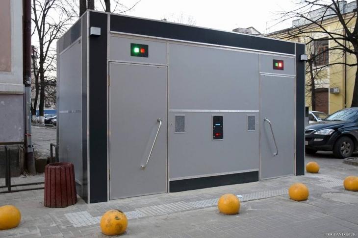 Модульний туалет за 965 тисяч гривень у Франківську встановить «Ековестбуд»