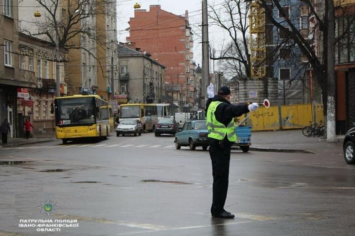 Увага! Сьогодні в Івано-Франківську обмежать автомобільний рух