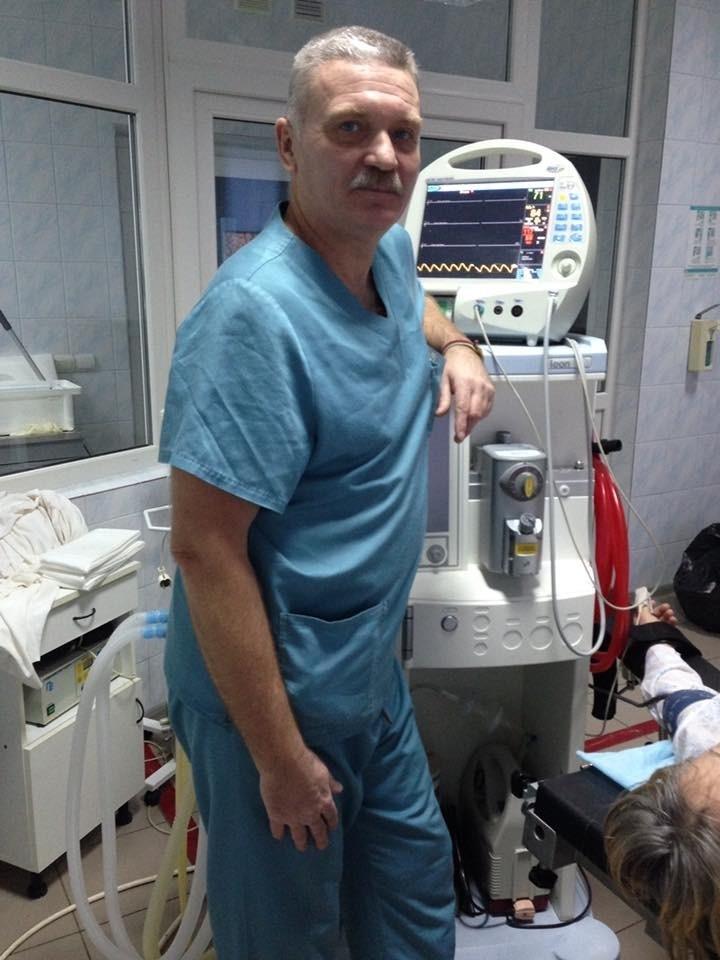 Калуський лікар врятував чоловіка, в якого в басейні зупинилося серце (фотофакт)