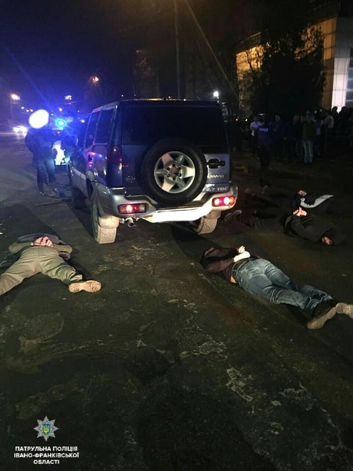 Суд відправив за ґрати директора і працівників охоронної фірми, які влаштували стрілянину у нічному клубі Франківська