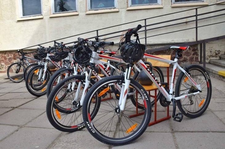 Діти, батьки та вчителі сіли на велосипеди: у Франківську презентували перший учнівський велоклуб. ФОТО 2
