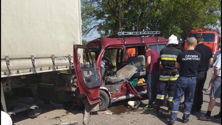 На Івано-Франківщині у жахливій ДТП загинув іноземець (фотофакт)