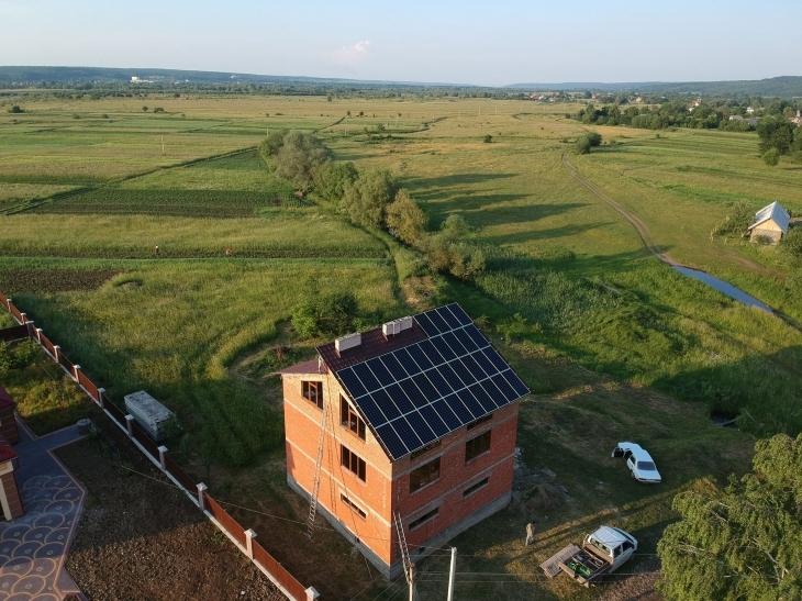 Сонячну електростанцію потужністю 13 кВт змонтовано в Підмихайлі 6