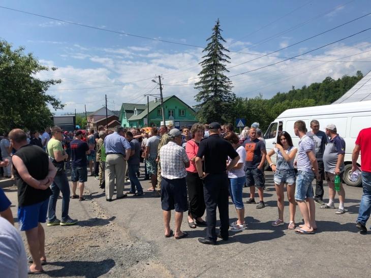 Гончарук знайшов 20 мільйонів гривень на ремонт дороги Яблунів – Делятин