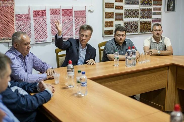 """Валентин Наливайченко: """"Повернемо один офшор – вирішимо всі екологічні проблеми на Прикарпатті"""" 6"""