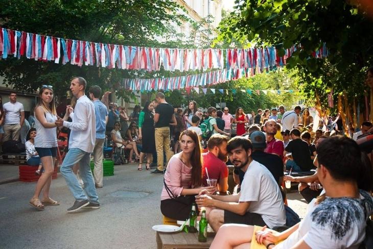 Holi Fest, баскетбол, вуличний театр: кольорові вихідні у Франківську 5
